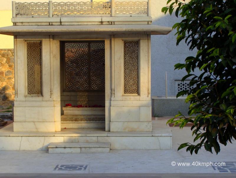 Tomb of Mirza Ghalib, Nizamuddin Basti, Delhi