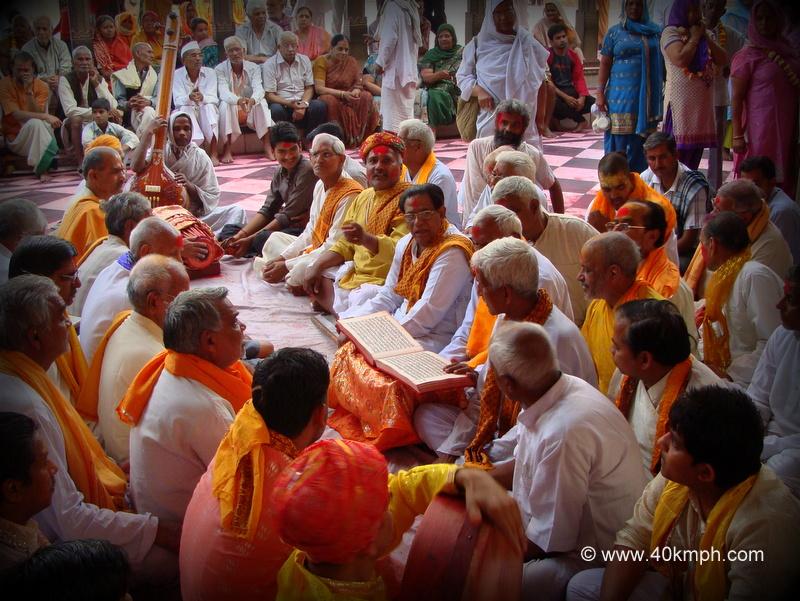 Holi Pad Gayan at Radha Rani Temple, Barsana, Uttar Pradesh