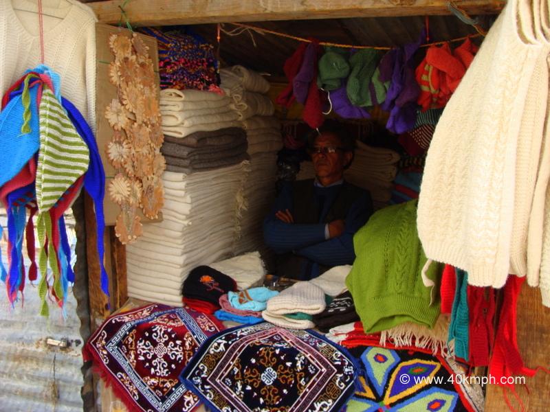 Handmade Woolen Clothes Shop