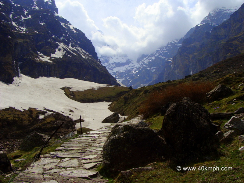 Trekking Path to Charan Paduka, Badrinath, Uttarakhand