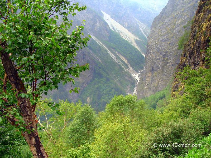 View of Way to Valley of Flowers from Ghangaria Hemkund Trek, Uttarakhand