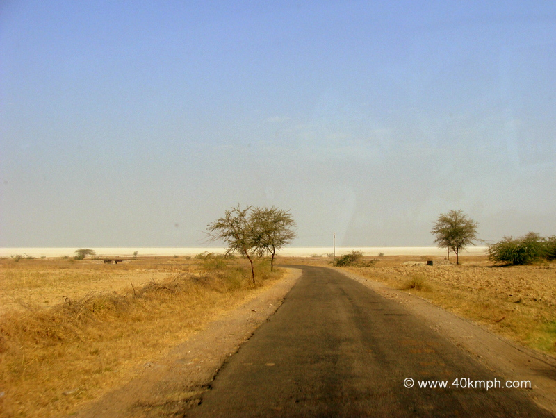 Road to Sambhar Lake, Rajasthan