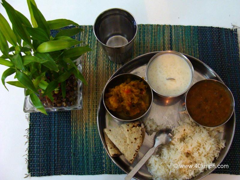 Vegetarian Thali at Omkarananda Ganga Sadan, Muni-ki-Reti, Rishikesh, Uttarakhand