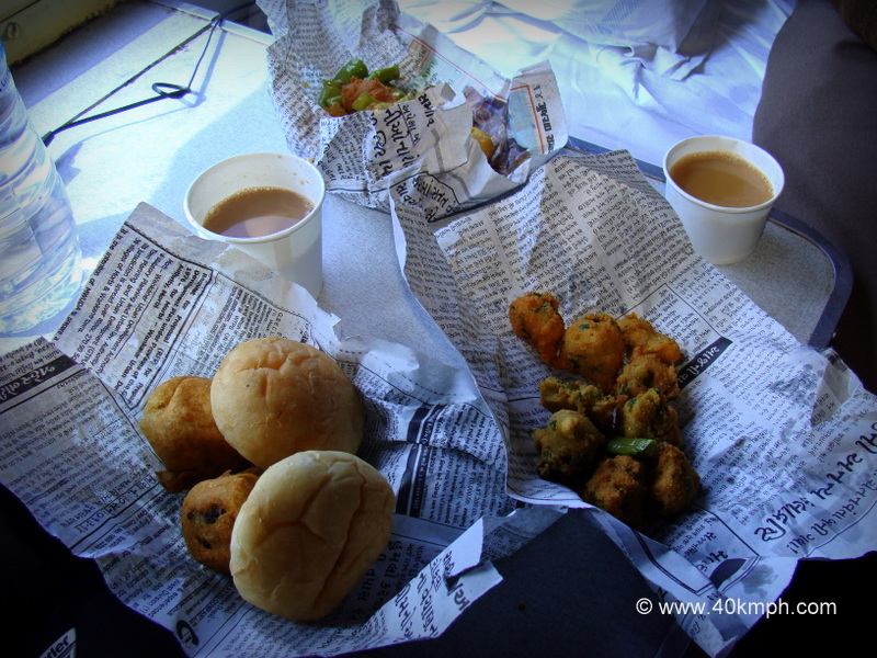 Vada Pav, Moong Dal Pakoras and Tea from Vadodara Railway Station, Gujarat