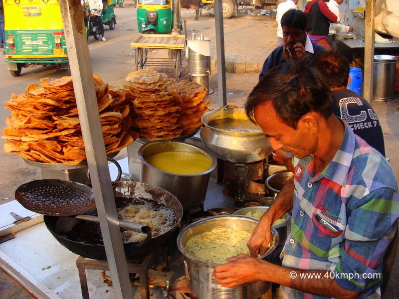 Dal Pakwan and Pakodi for Breakfast