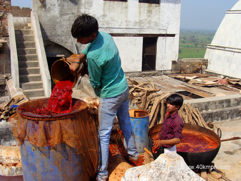 Making Natural Colours for Holi
