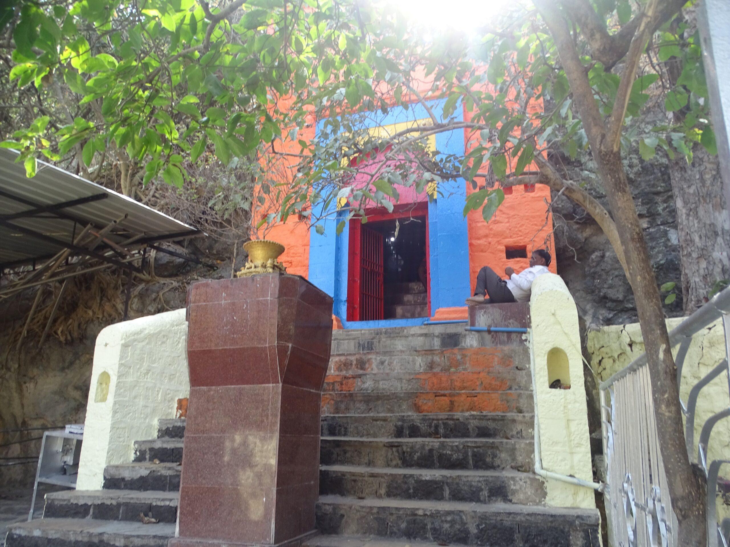 Adyakavi Shri Mukundraj Swami Samadhi Sthal (Ambajogai, Maharashtra, India)